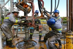 Men working Sidewinder drill